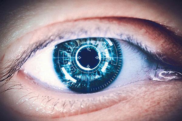 Sony研智能隱形眼鏡 一眨眼即影相