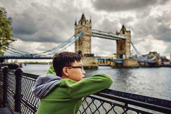 留英港生 低齡化8歲已出國
