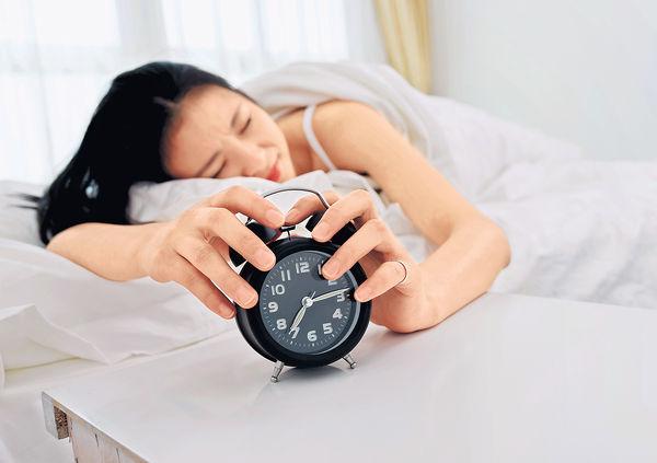 日僅瞓5個鐘 感冒風險增兩成