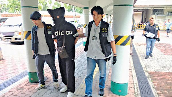 酒店房變武器庫 警反黑拘3男女