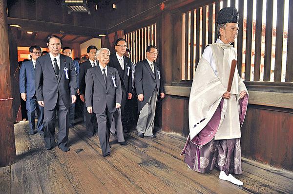 日本戰敗日 國會議員參拜靖國神社