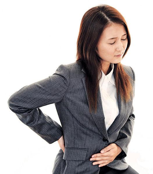 脊椎移位 搞到胃痛