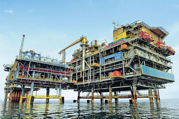 中海油中期蝕77.4億元 每股派息0.12港元