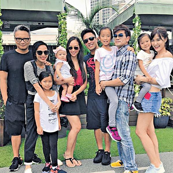 劉佩玥伍允龍做「一家人」