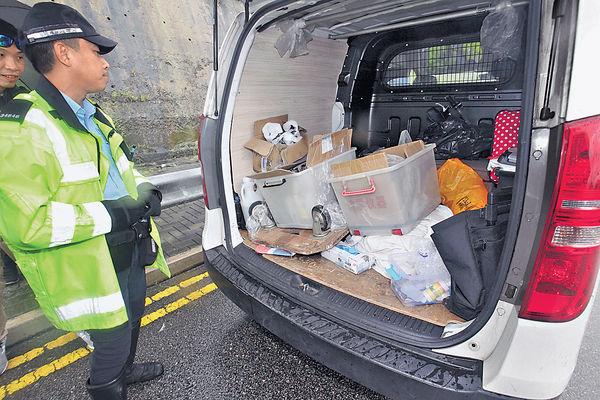 飛車追報失貨Van 交通警拘兩男