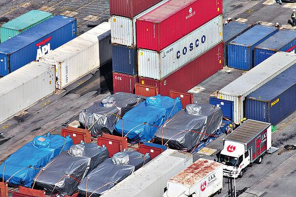 新加坡總理李顯龍 促港府歸還裝甲車