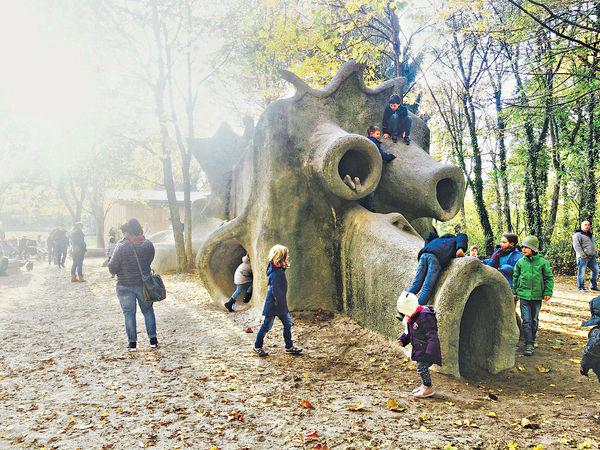 兩歲幼兒遊德國 最愛原始遊樂場