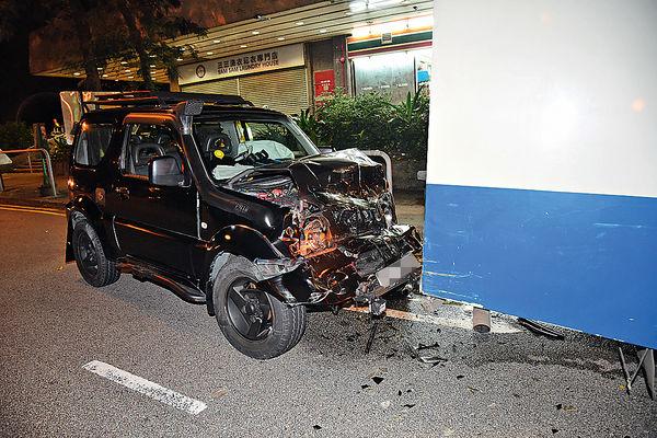 司機酒駕四驅車 追撞解款車