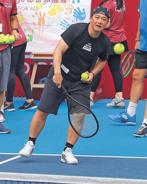 網球大使Eason 被運動員抄牌