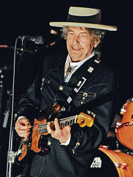 美歌手奪文學諾獎 Bob Dylan第一人