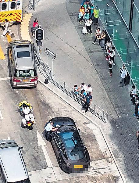 《律政強人》方中信遇車禍 幸無受傷