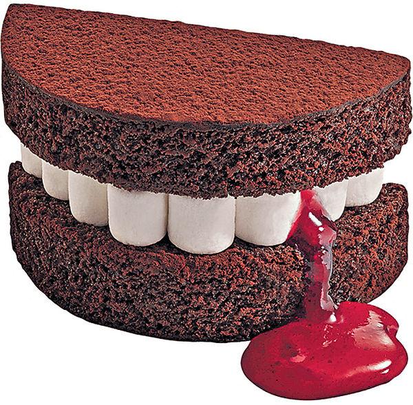 McCafe驚見「嚇人牙糕」!