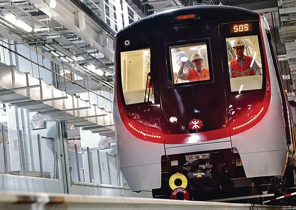 傳南港島綫 延至明年3月通車