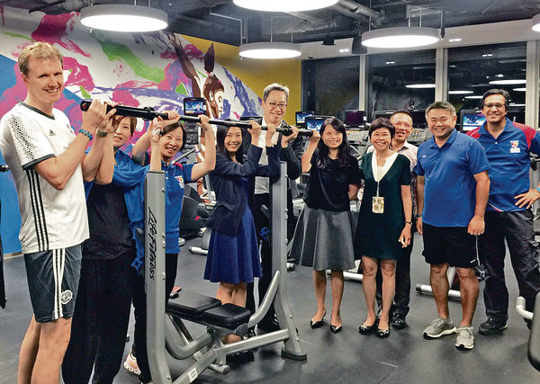 花旗7000呎員工健身室 盧韋柏帶隊做Gym 練老鼠仔