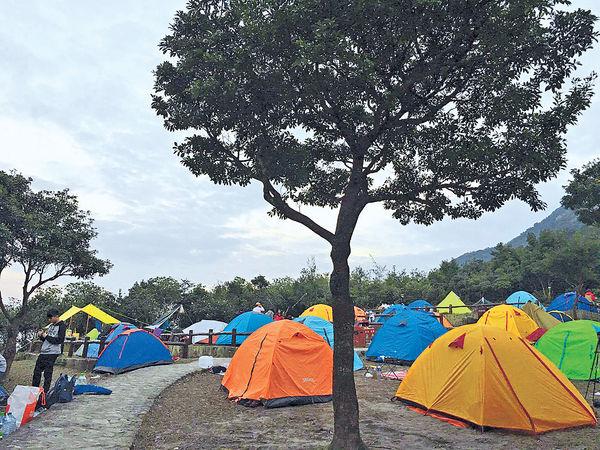露營友帳篷用完即棄 污染環境
