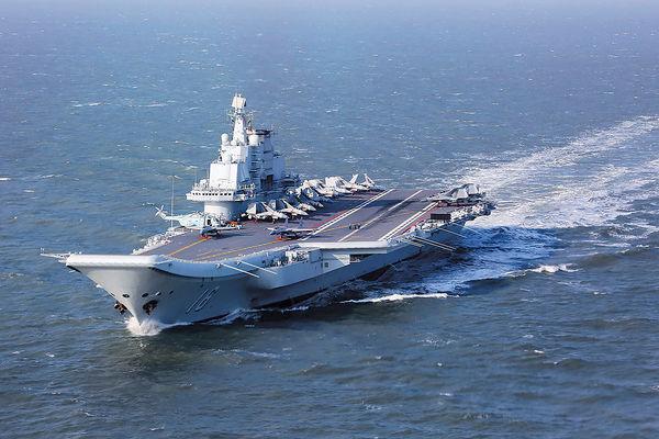 遼寧艦編隊首越台海 台艦機群起戒備