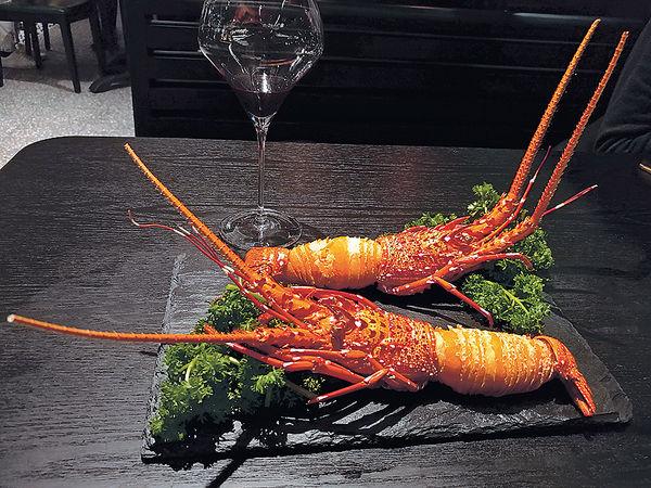 摩登中菜館 驚艷龍蝦蘿蔔酥