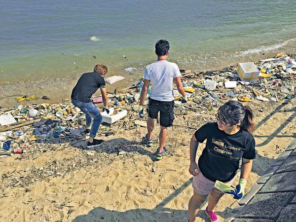 海岸垃圾淹港 美麗海灘不再