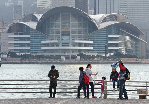 訪港內地旅客 12月回升