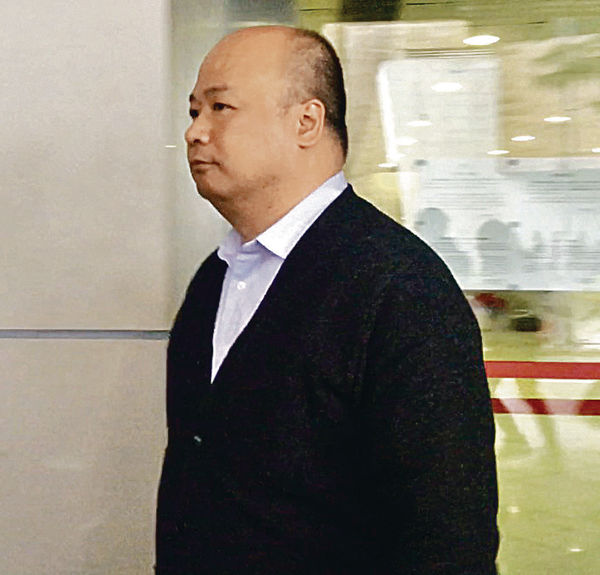 紀文鳳遭包圍不適 保安主任:李峰琦阻救護員