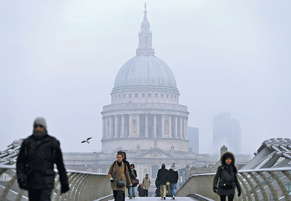 最嚴重空氣污染 倫敦航班大亂