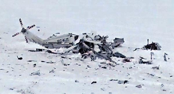 救援直升機撞山 意雪崩再添6死