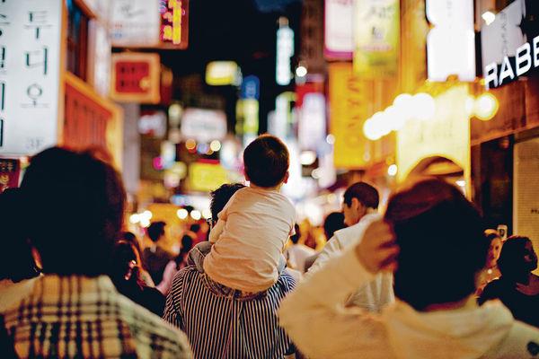 假韓團平吸客 8家庭中招 女搞手被捕