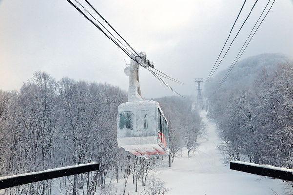 搭尾班車 冰極青森觀雪掛