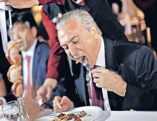 黑心肉風波 巴西總統請食烤肉證安全