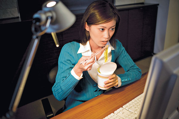 凌晨零時至二時食飯麵 乳癌風險增1.7倍