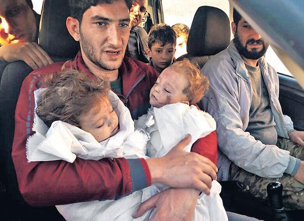 22親人喪命 父抱龍鳳胎遺體哭別