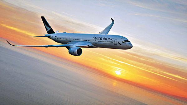坐國泰A350飛台北 遇貼心空姐 照顧抱B媽咪