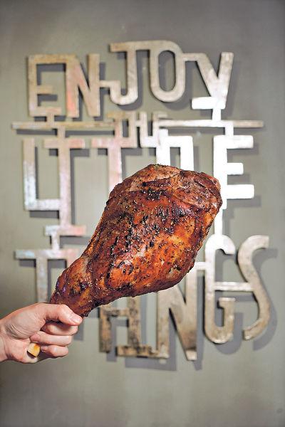 太子新店 6磅重巨型慢煮羊髀 開心Share
