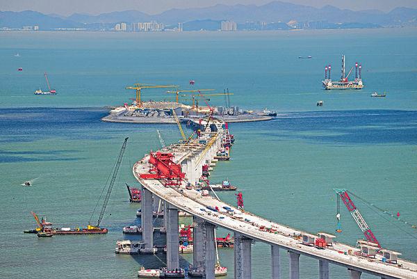 港珠澳橋將取芯測試