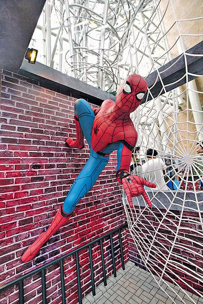 蜘蛛俠登陸朗豪坊 1:1雕塑超像真