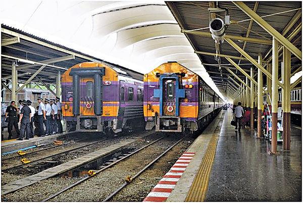 泰國春蓬火車之旅