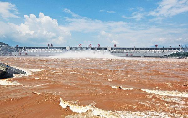 坐世紀神話號 浪遊長江三峽