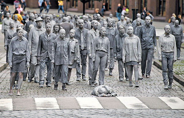 G20峰會今揭幕 千「喪屍」遊街 促關心政 治