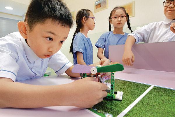 電腦課上砌LEGO 激活小學生創意