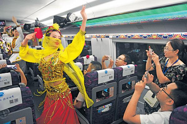 寶蘭綫通車 「高鐵絲路」貫通