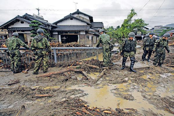 九州暴雨恐45死 東北酷熱600人中暑 日本天氣反常
