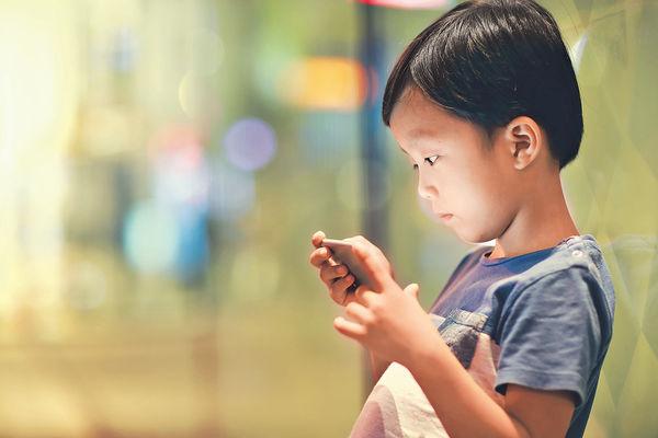 小學生沉迷上網 親子爭執急升