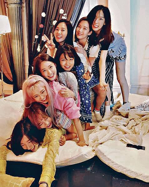 少時Yuri直播「睡衣派對」