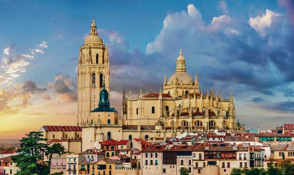 $8000西班牙塞哥維亞 領略古城風采