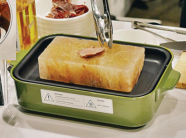 喜馬拉雅鹽板 素菜製漢堡扒 美食博覽新品登場