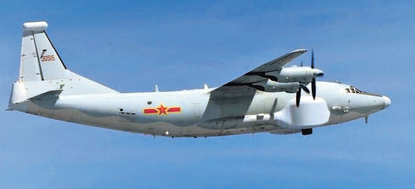 解放軍運8戰機 再繞台灣飛宮古海峽
