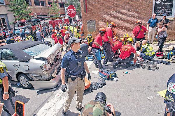 美右翼示威爆衝突 狂徒揸車撞人36死傷