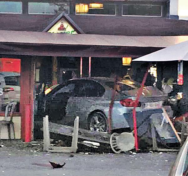 巴黎司機圖輕生 撞餐廳1死12傷
