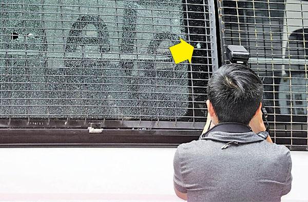 狂徒氣槍狙擊 射爆警車玻璃