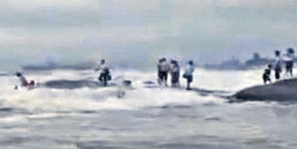 不理勸阻登礁石拍照 山東2遊客落海溺斃